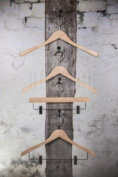 Wooden hanger for tops, natural finish, 44 cm, style 212-112-998