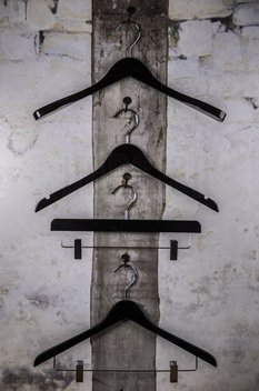 Wooden hanger with clips, black shiny finish, 36 cm, style 2011-104-00